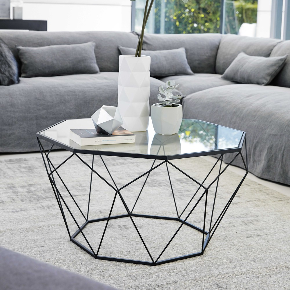 Sleek Coffee Table In Tempered Glass And Black Metal
